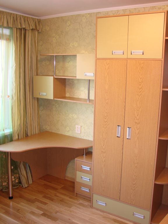 Шкаф в гостиную и компьютерный стол - интернет магазин mebli.